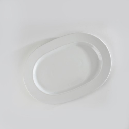 Plat ovale blanc