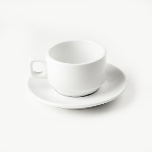 Tasse et sous tasse a dejeuner